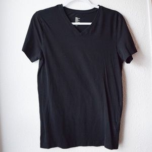 Basic Slim-Fit Men's V-Neck Shirt